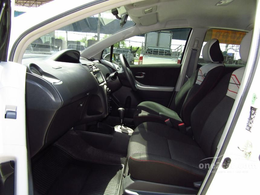 2011 Toyota YARIS ACE Hatchback