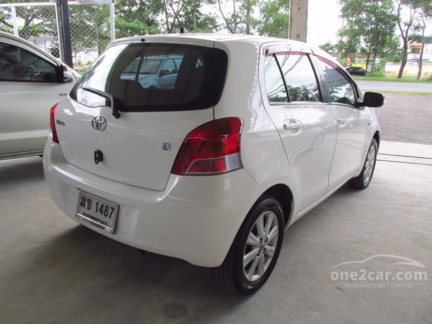 2011 Toyota Yaris E Hatchback