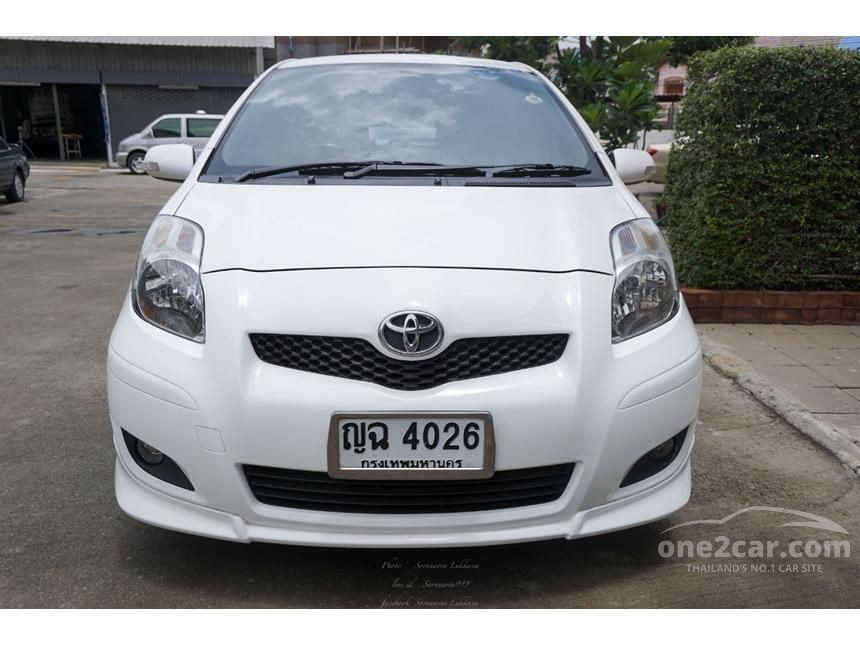 2010 Toyota Yaris E Limited Hatchback