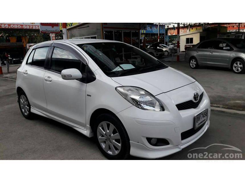 2010 Toyota Yaris E Limited Hatchback