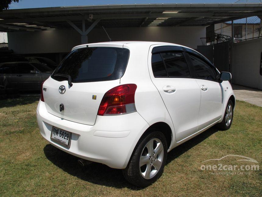 2011 Toyota Yaris J Hatchback