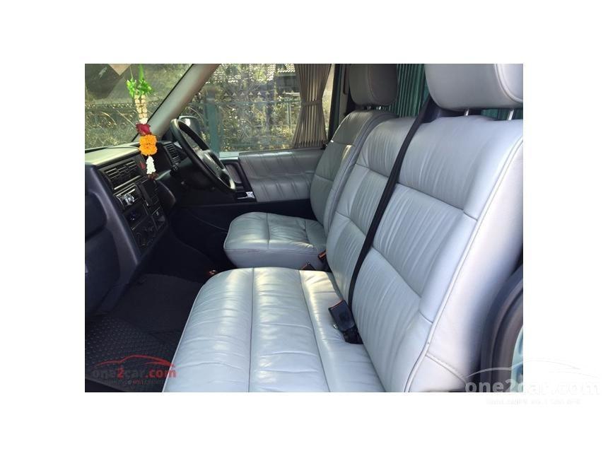 2003 Volkswagen Caravelle V6 Van