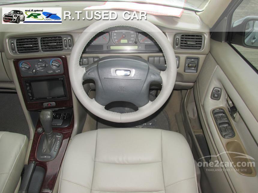2001 Volvo S70 Sedan
